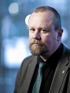 Hannu Lauerma, oikeuspsykiatrian erikoislääkäri ja psykoterapeutti, kouluttaja, työpaikkaväkivalta, valehtelu, harhat