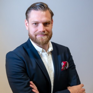 Lauri Jukarainen, asiakkuuspääliikkö - koulutukset, osaaminen ja sen kehittäminen